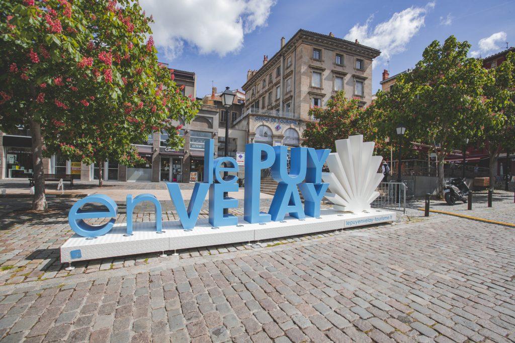 Lettres géantes Le Puy en Velay